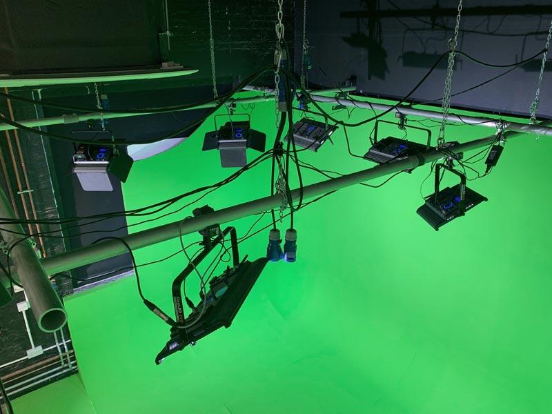 Crixus Studios - Greenscreen Lighting DMX Studio