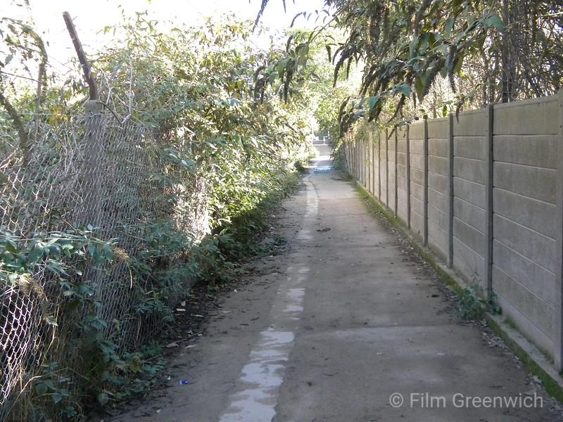 Thames Path - Greenwich Peninsula (West)