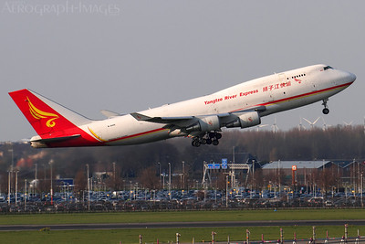 Reg:  B-2435Operator:  Yangtze River ExpressType:  Boeing 747-481(BDSF)  C/n:  28283 / 1142Location:  Amsterdam - Schiphol (AMS / EHAM), The NetherlandsDeparting from runway 09 after a very short take-off roll, on a short hop to Hahn. Photo Date:  25 March 2014Photo ID:  1400966