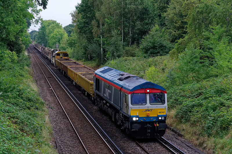 """66747 """"Made in Sheffield"""" approaches Guildford with 6Y42, the 14:14 Hoo Junction - Eastleigh East Yard departmental service on 16th September 2019. <br /> This service is normally routed via Basingstoke."""