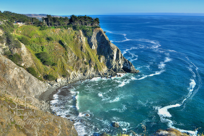 Big Sur Cove n Cliff - Big Sur Coast, California - USA