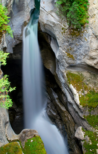 Maligne Canyon 2