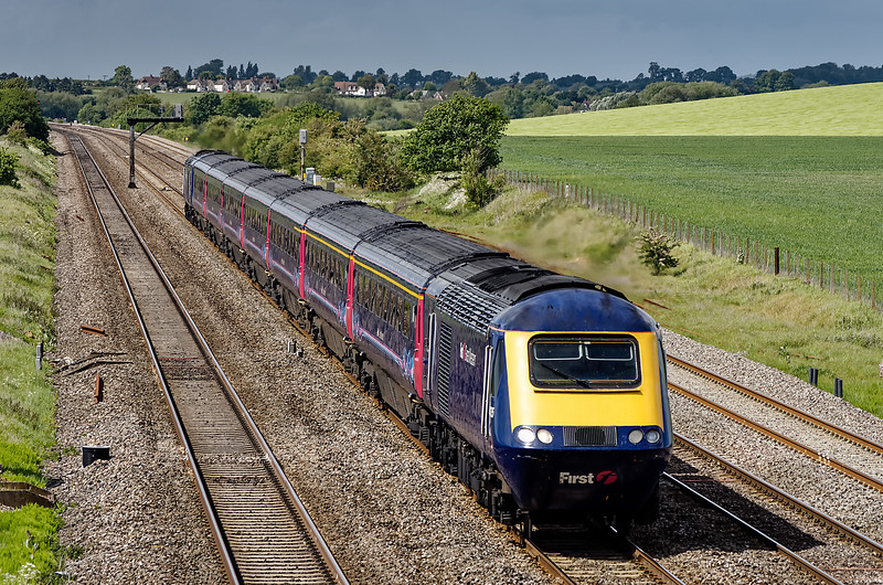 Unidentified FGW HST, working up at Manor Farm Bridge on 9th May 2011.