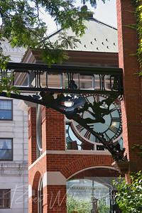 9623-Eagle Square Clock