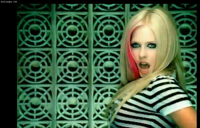 "Avril Lavigne ""Hot"" (2009)"