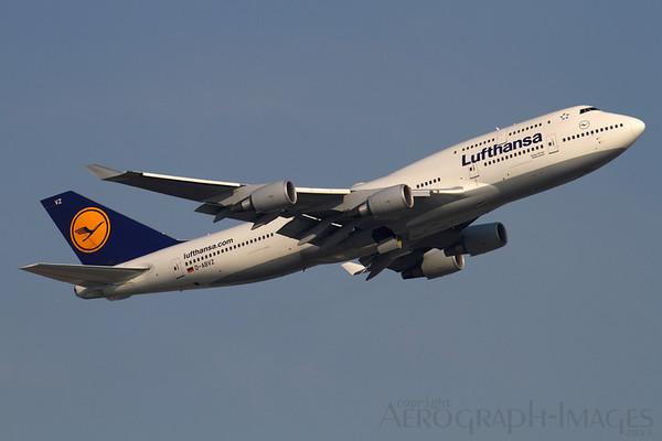 Reg: D-ABVZ Operator: Lufthansa Type:  Boeing 747-430 C/n: 29870 / 1264 Location:  Frankfurt-am-Main (FRA / EDDF), Germany        Photo Date: 30 August 2013 Photo ID: 1300801