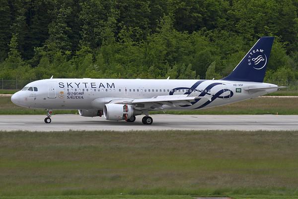 Reg: HZ-ASF Operator: Skyteam - Saudia Saudi Arabian Airlines Type:  Airbus A.320-214 C/n: 4955 Location:  Geneva - Cointrin (GVA / LSGG) - Switzerland        Photo Date: 21 May 2013 Photo ID: 1300697