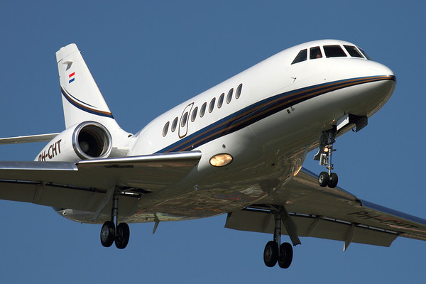 Reg: PH-CHT Type: Dassualt Falcon 2000EX EASy C/n: 40   Landing at Geneva-Cointrin during the EBACE exhibition. This aircraft has since transferred to the US register as N131A.     Photo Date: 18 May 2011 Photo ID: 1200361