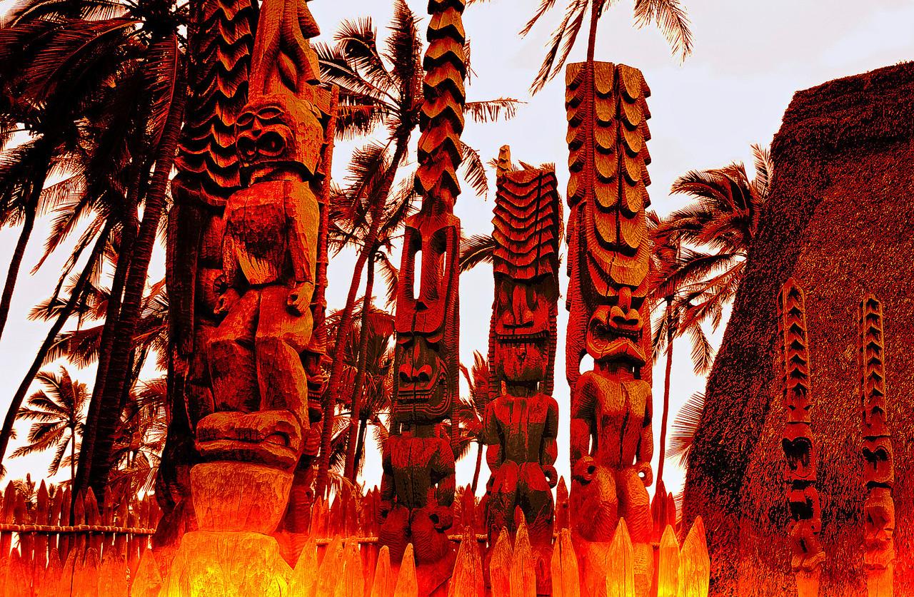 Puuhonua O Honaunau Ki'i totems
