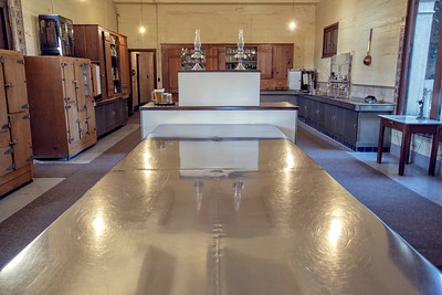 Radiant heated stainless steel kitchen counters
