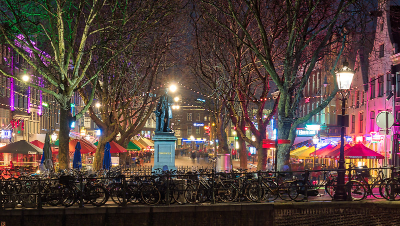 Thorbeckeplein at Night