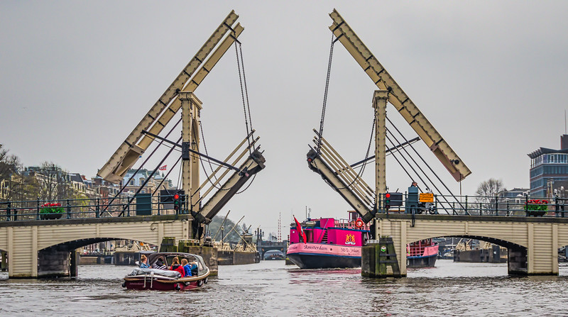 Magere Brug in operation on the Amstel river