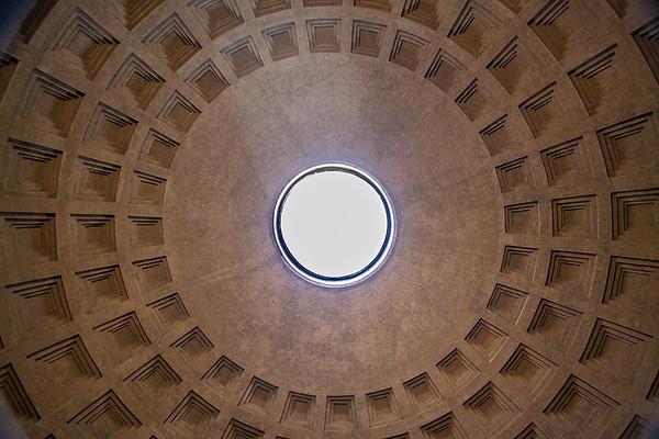 The Pantheon Oculus