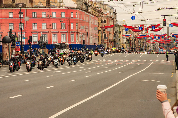 More of the Victory Day Parade on Neveshy Prospekt