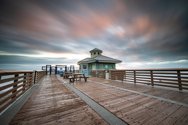 Windy morning at the Juno Beach Pier