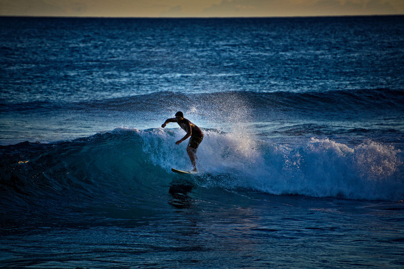 Poipu Surfing1
