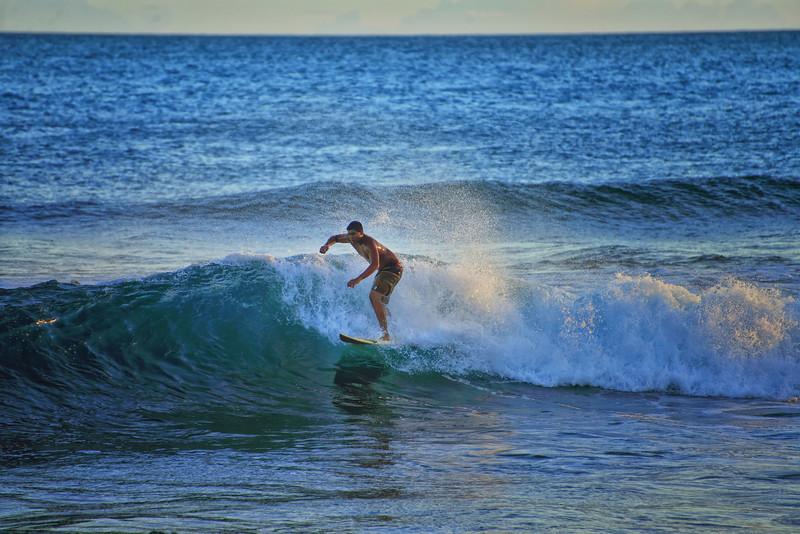 Poipu Surfing2