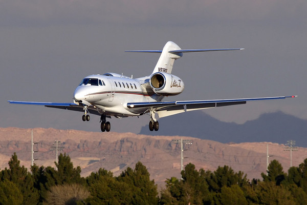Reg: N938QS Type:  Cessna 750 Citation X C/n: 750-0183   NetJets Slicer on short finals to runway 25L at Las Vegas McCarran in late afternoon sunlight     Photo Date: 21 January 2008 Photo ID: 1200383