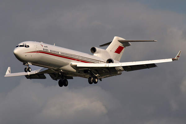 """Reg: A9C-BA Operator: Bahrain - Amiri Flight Type:  Boeing 727-2M7W C/n: 21824 / 1595 Location:  London - Heathrow (LHR / EGLL) - UK   """"Bahrain 3"""" on very short finals to Heathrow's runway 27L in weak afternoon sunlight, a fantastic sight to see a 727 still going strong, and in such immaculate condition.     Photo Date: 14 March 2013 Photo ID: 1300607"""