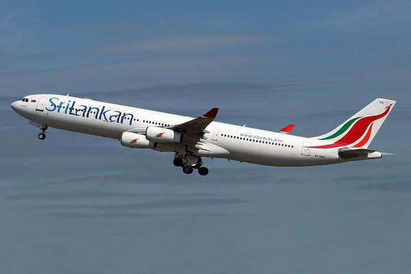 Reg: 4R-ADA Operator: SriLankan Airlines Type:  Airbus A.340-311 C/n: 32 Location:  London - Heathrow (LHR / EGLL), UK        Photo Date: 23 August 2008 Photo ID: 1300751