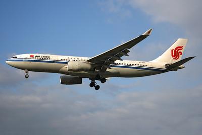 Reg: B-6115 Operator: Air China Type:  Airbus A.330-243 C/n: 909 Location:  London - Heathrow (LHR / EGLL) - UK        Photo Date: 14 March 2013 Photo ID: 1300720