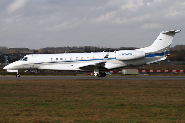 G-CJMD - Corporate Jet Management, Embraer ERJ-135 Legacy 600 (14500994)  Farnborough based Legacy departing Luton on a VIP service. 16 February 2011