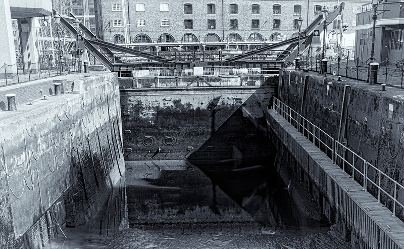 Lock at Katherine's Wharf B&W