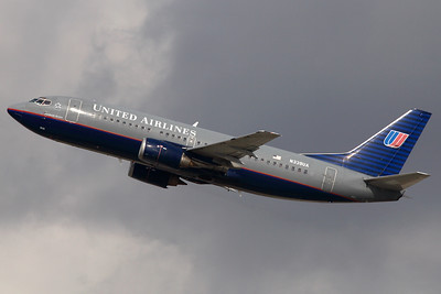 Reg: N339UA Operator:  United Airlines Type:  Boeing 737-322 C/n: 24243 / 9939 Location:  Los Angeles - International (LAX / KLAX) - USA    Climbing away from runway 25R at LAX, but since retired and scrapped at Tupelo, MS.     Photo Date:  22 January 2008 Photo ID: 1300582