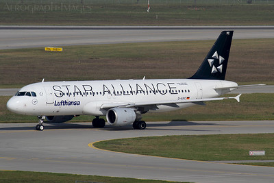 Reg:  D-AIPCOperator:  Star Alliance - LufthansaType:  Airbus A.320-211  C/n:  71Location:  Munich (Franz Josef Strauss) (MUC / EDDM), Germany1989 vintage A320 taxiing for departure at Munich, wearing the Star Alliance colour scheme Photo Date:  10 October 2016Photo ID:  ..