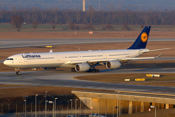 Reg: D-AIHO Operator: Lufthansa Type:  Airbus A.340-642 C/n: 767   Taxiing out for a late Winter's afternoon departure at Munich.     Photo Date: 11 January 2008 Photo ID: 1200011