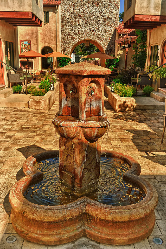 Napa Yountville fountain