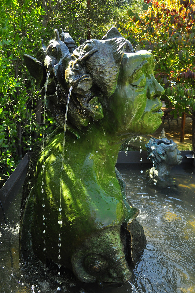Fish head woman fountain