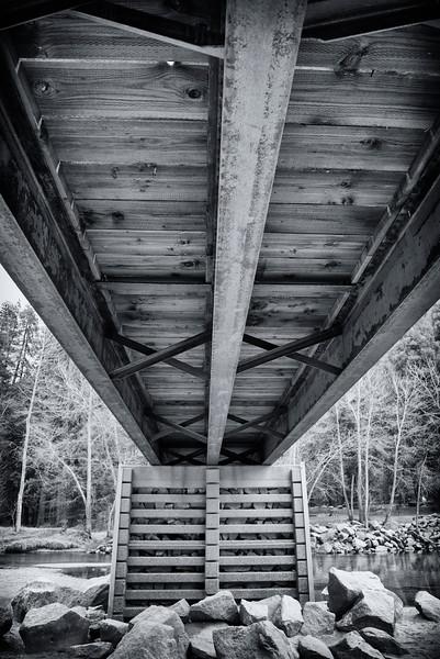 Under the walking bridge B & W