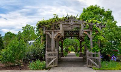 #036-Heritage Garden Arbor