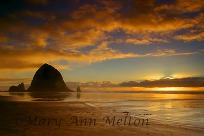 Haystack Rock Cannon Beach, Oregon