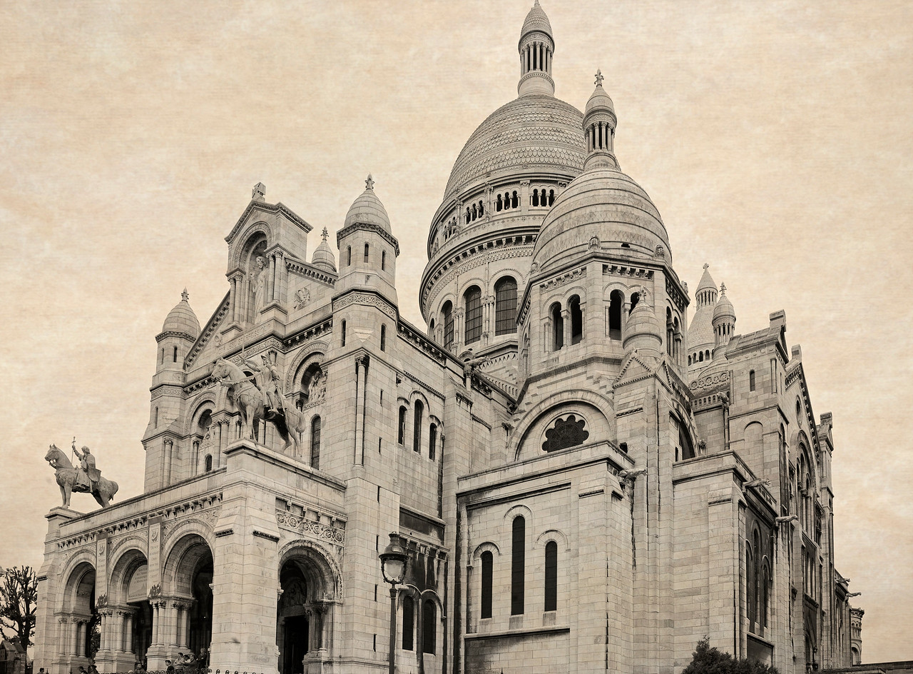 Paris neighborhood Sacre Coeur