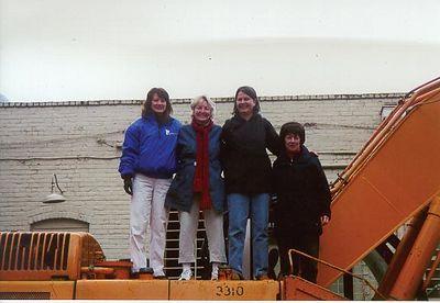 Rita_Jeannie_Sue at OP demolition