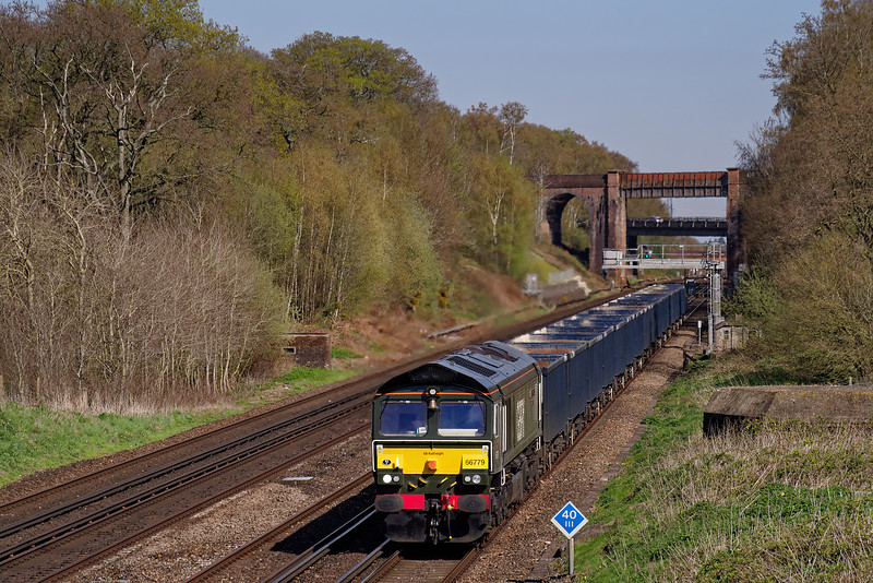 """66779 """"Evening Star"""" working 4Y19, the 12:30 Mountfield Sidings - Southampton West Docks, Gypsum empties on 10th April 2019."""
