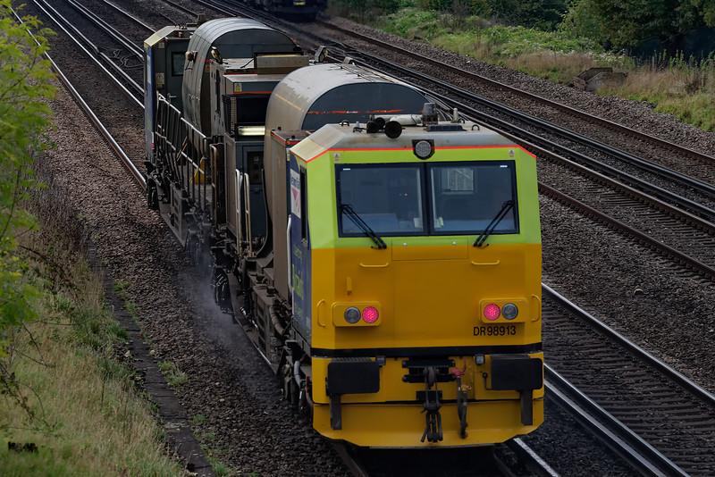 DR 98913 / DR 98963 working 3S84, the 05:15 Effingham Junction - Effingham Juction RHTT on 31st October 2019.
