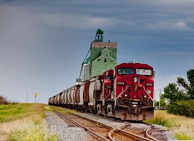 56966 Elevator train 16x22