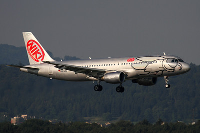 Reg: OE-LEU Operator: Niki Type: Airbus A.320-214		   C/n: 2902   Landing on Zurich's runway 34 in early morning light     Photo Date: 02 July 2005 Photo ID: 1200354