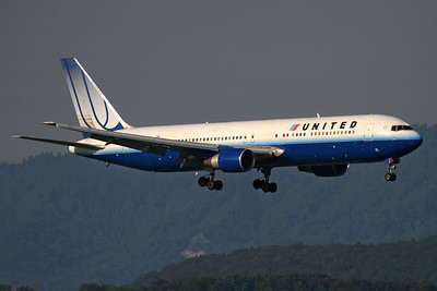 "N655UA - United Airlines, Boeing 767-322ER (c/n 25393 l/n 468)  Ship 6655 on short finals to Zurich's runway 34 in early morning sunshine, completing flight ""UA936"" from Washington. 01 July 2011"