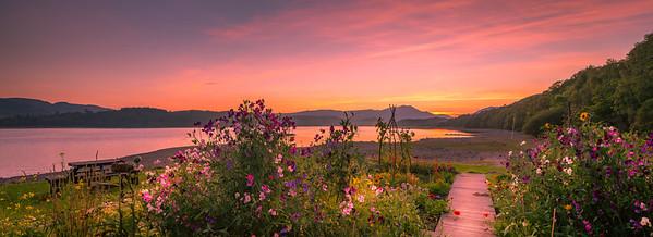 Loch Venachar - Harbour Cafe - Garden