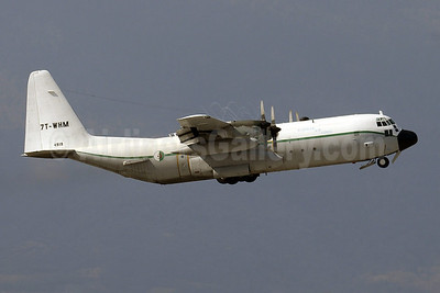 Algerian Air Force Lockheed C-130H (382G) 7T-WHM (msn 4919) GVA (Paul Denton). Image: 922125.