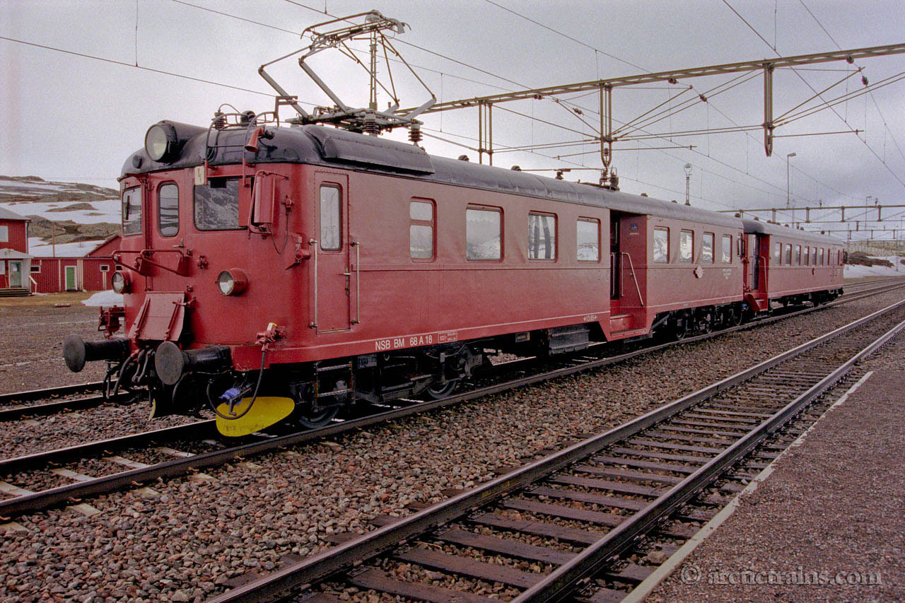 NSB BM 68 A 18 + BFS 68a 79 Vassijaure st. Chartertrain ca 1998 by Terje Storjord