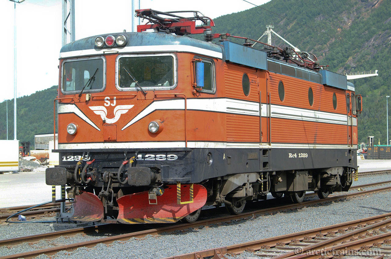 SJ Rc4 1289 Old livery Fagernes terminal Narvik H 2002-06-06 by TS