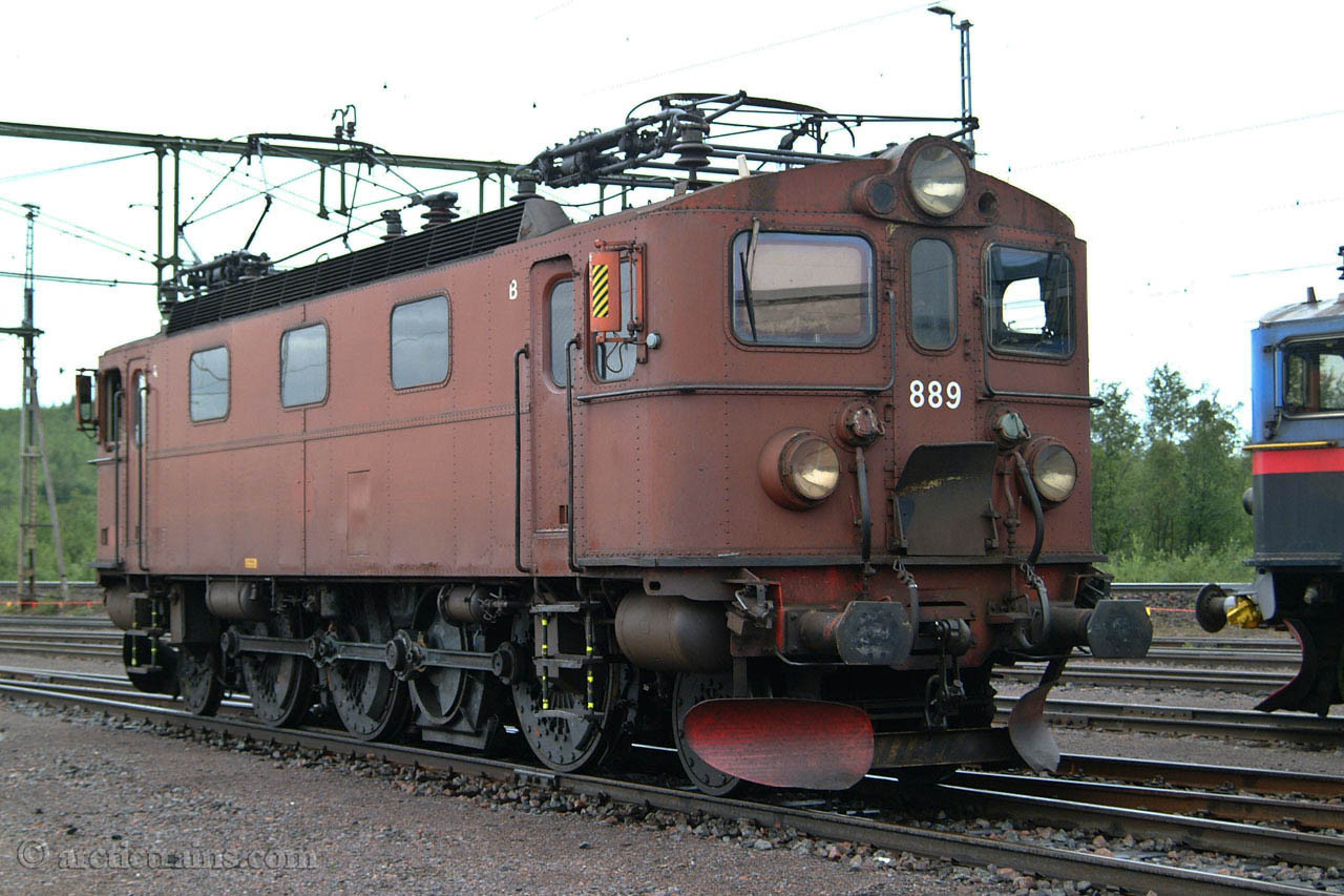 LKAB Da 889 Kiruna locomotive shop 2003-07-13 by TS