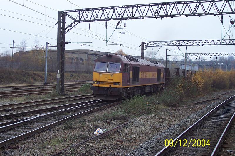 60 020<br /> <br /> Edge Hill Run sidings <br /> <br /> 8th Dec 2004
