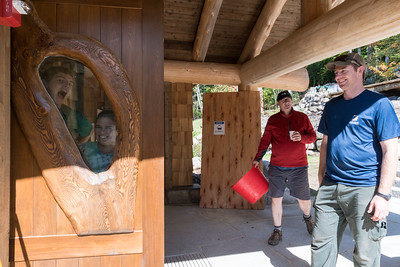 """The main entry door at the new Ravine Lodge includes an impressive """"oculus"""" made from a single piece of wood. Photo by David Kotz '86."""