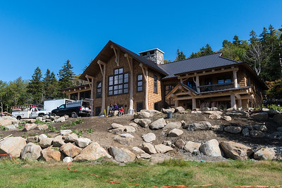 The new Ravine Lodge looks fabulous from the front lawn! Photo by David Kotz '86.